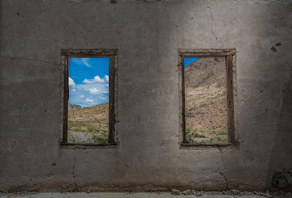 jail wall - print à venda - ghost town rhyolite