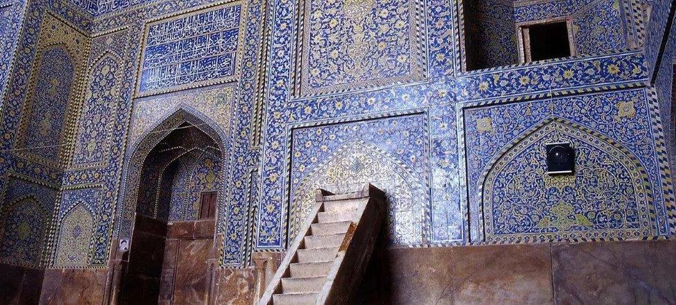 ペルシャ絨毯の柄にも影響を与えたエマームモスク