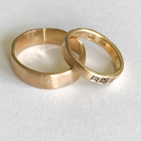 Fairmined Wedding Rings with diamonds