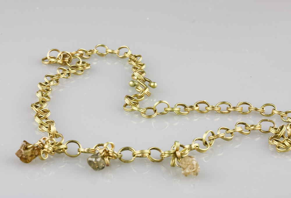 18 k gold spiral necklace