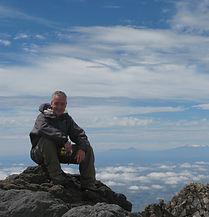 Markus in New Zealand on top of Mount TaranakiNina sailing on Gili Gede, Indonesia - Holamundo