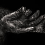 Artists Hands_edited.jpg