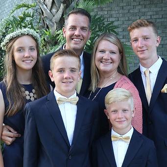 2017-Lowe-Family-1-768x768.jpg