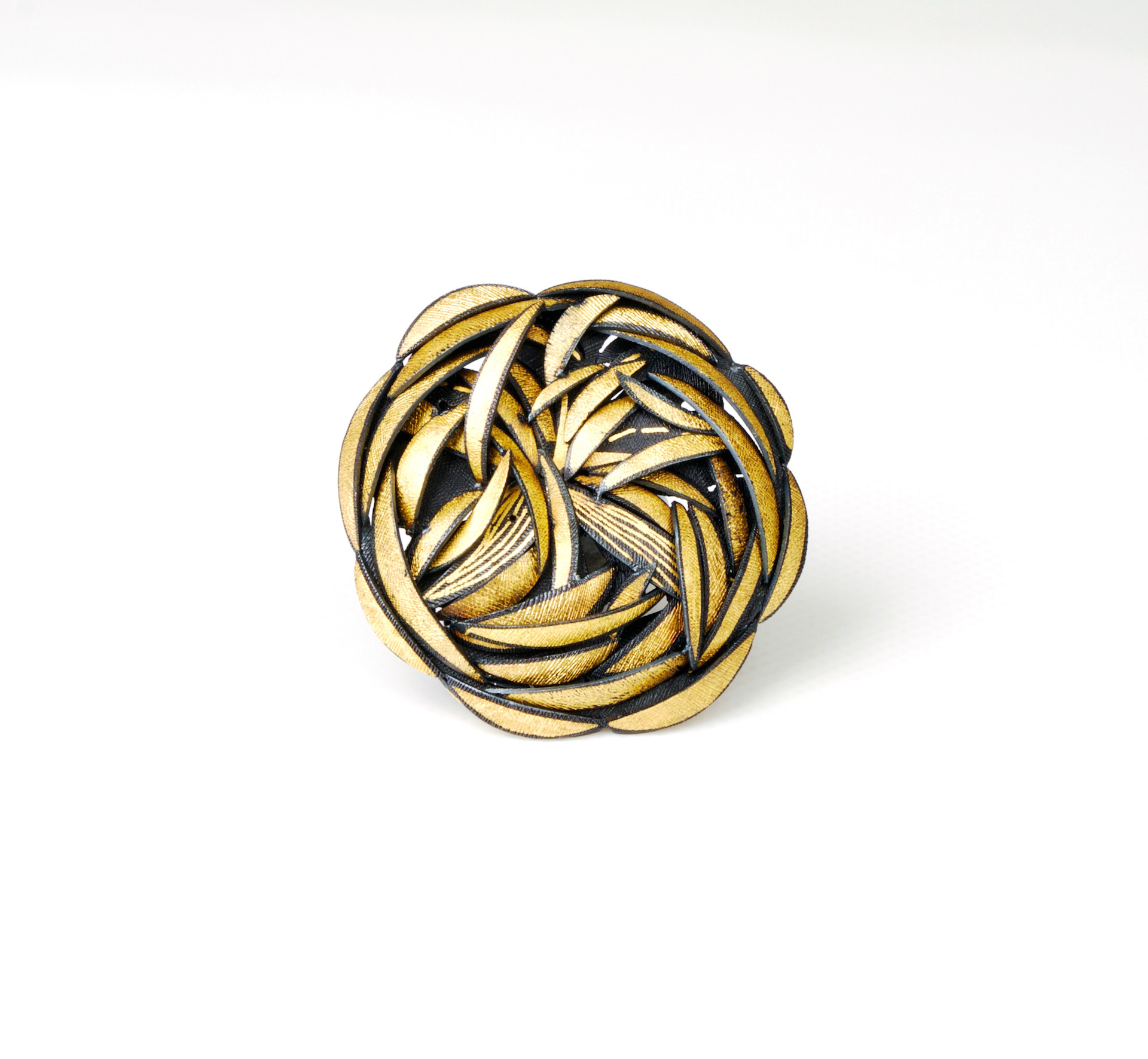 Sun Flower Brooch.....fine gold steel.....50x50x10(D)mm