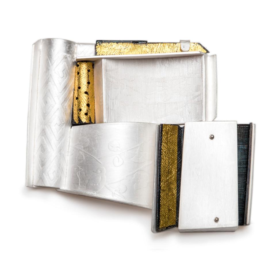 Rock brooch....fine gold, fine silver, 925silver, steel......55x65x100(D)mm