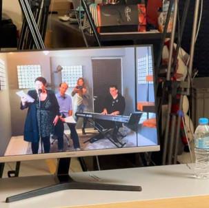1η live-streaming παρουσίαση: UNBOXING troubadours.gr
