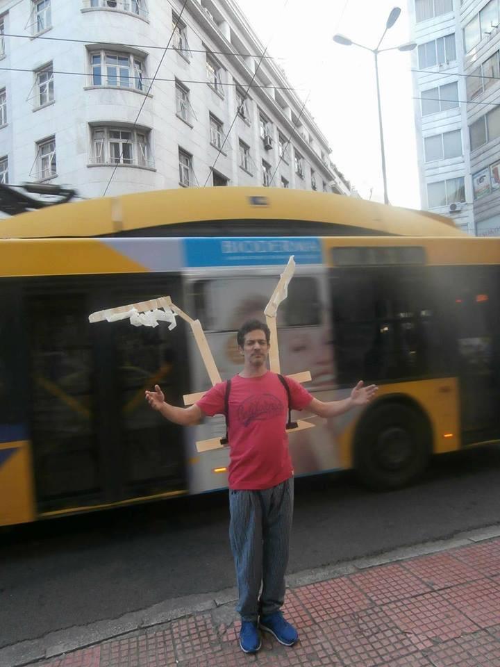 Ο performer Κωνσταντίνος Καρβουνιάρης εν δράσει!