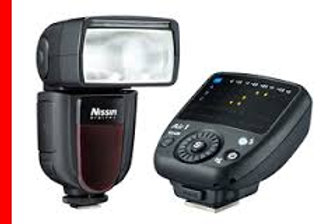 Nissin Di700a Flash with air 1 commander (SONY)