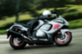 GSX1300RAL9_action_2.jpg
