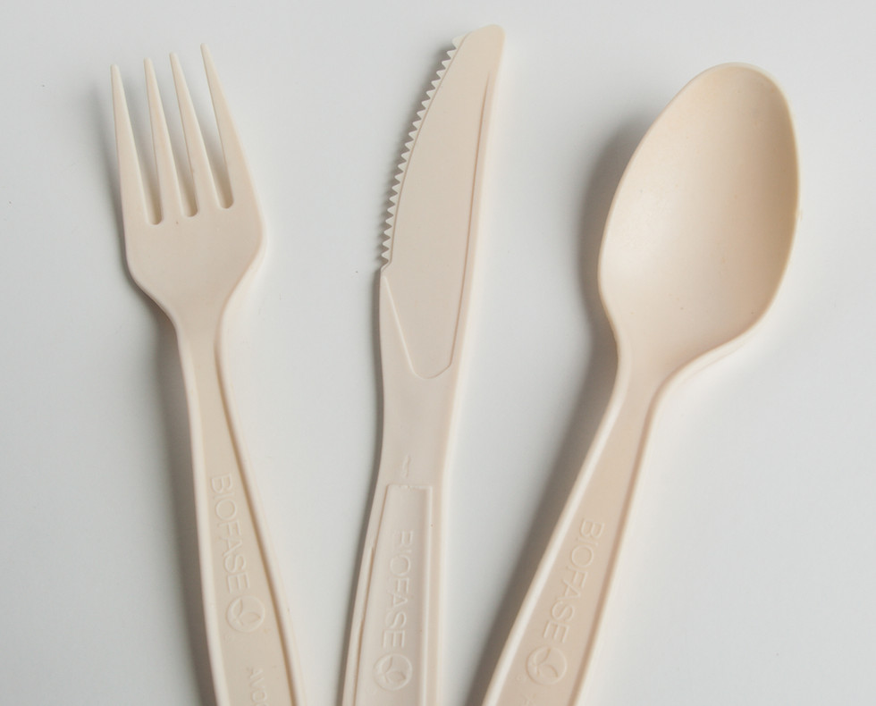 AvoplastiQs Avocado Cutlery