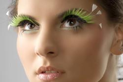 feather-eyelashes-makeup-1