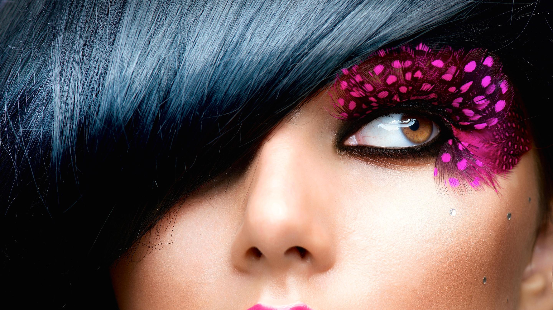 pink-feather-eyelashes
