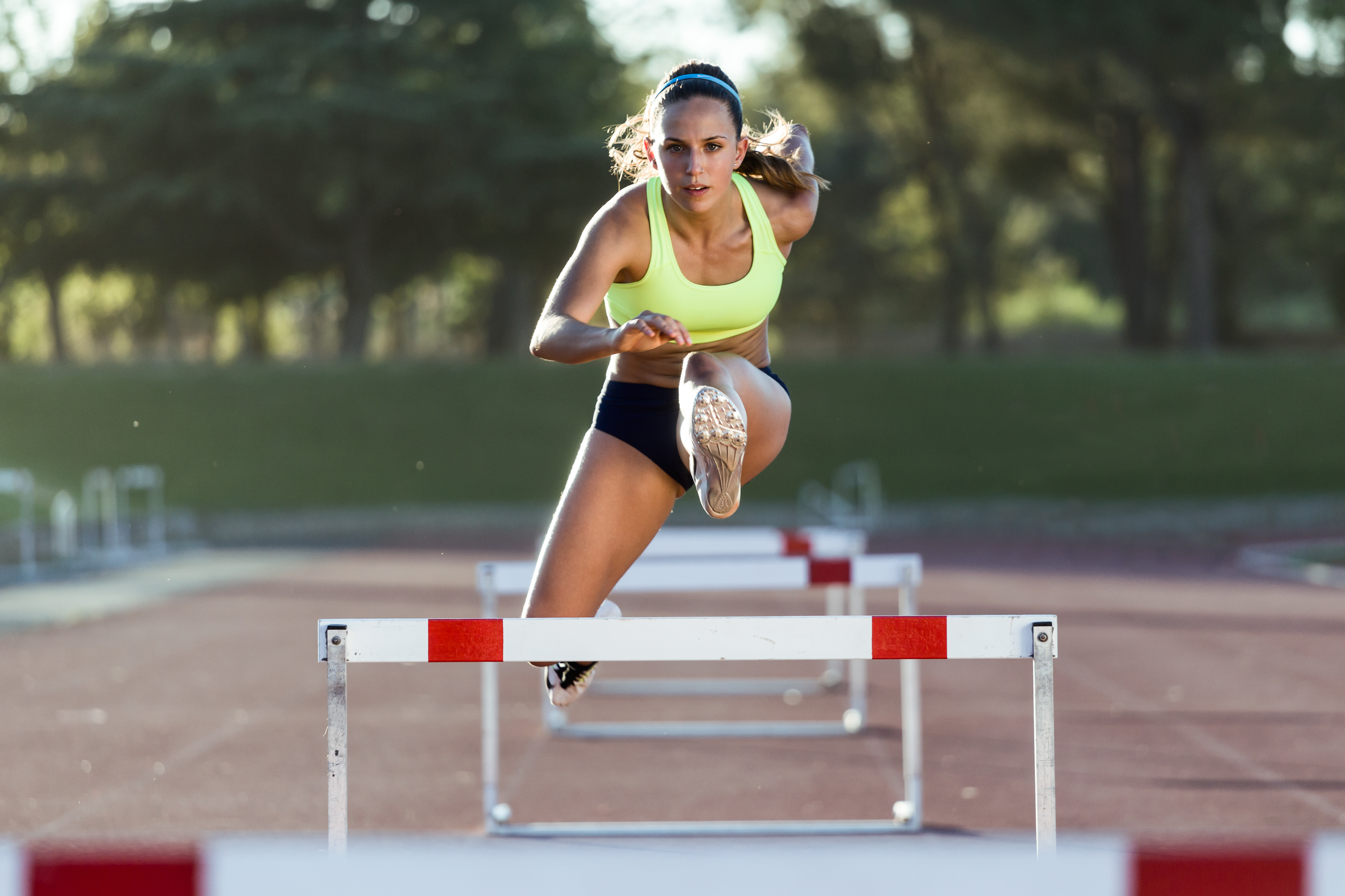 Track_Hurdles_Woman