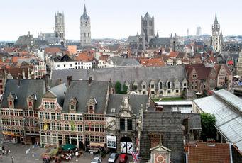 Stadhuis Gent Grote Markt gemeenteplein symbool voor de stad waarvoor wij luchthavenvervoer voorzien naar alle luchthavens