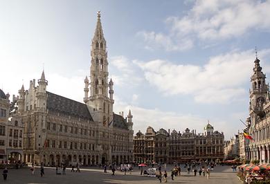 Stadhuis Brussel Grote Markt gemeenteplein symbool voor de stad waarvoor wij luchthavenvervoer voorzien naar alle luchthavens