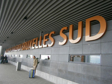 Aeroport de Charleroi Bruxelles Sud Brussels South Airport Gosselies luchthaven als symbool voor luchthavenvervoer luchthaventransfer