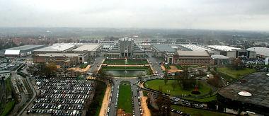 Flanders Expo Gent gebouw vooraanzicht overdag