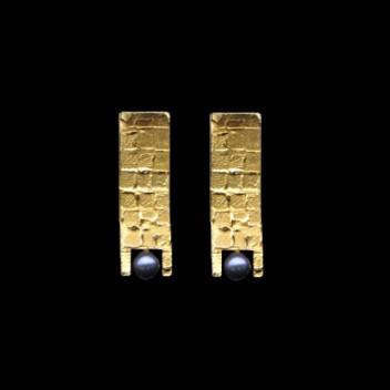 Paula Vieira Jewellery 19.2k Gold Earrings and Pearl
