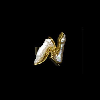 Paula Vieira Jewellery 19.2k Gold Ring and Mother of Pearl