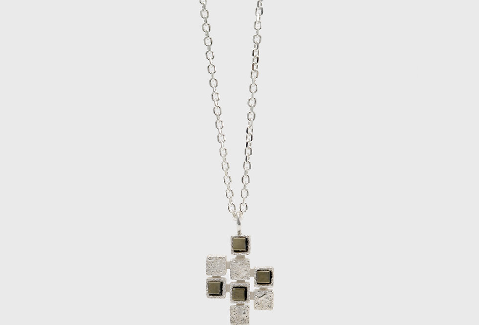 Cubico Silver Necklace with Hematites