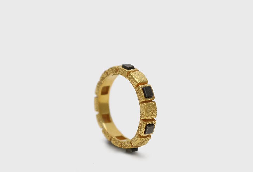 Cubico Gold Plated Silver Ring with Hematites