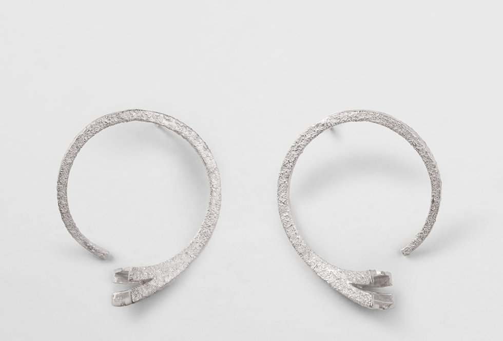Paula Vieira Jewellery Dame de Fer II Earrings
