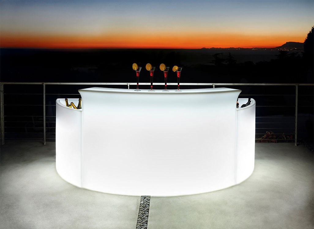 White-Illuminated-Bar5