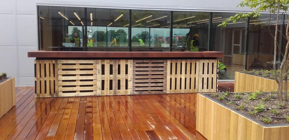 Pallet Modular 5.5m Bar with Rust Servin