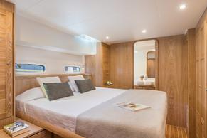 Guest cabin starboard side