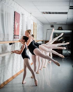 ballerinas-ballet-class-ballet-dancers-1