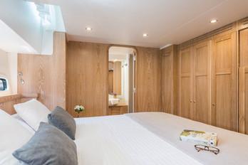 Guest cabin staboard side
