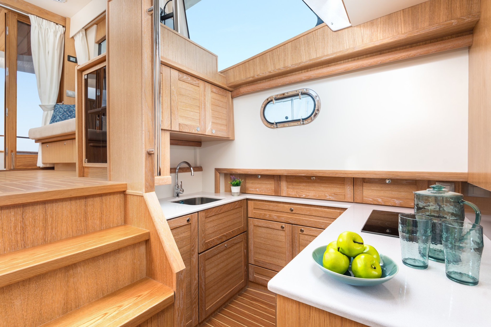 Sasga 42 galley white oak