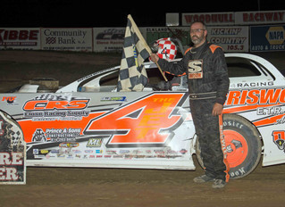 "Knowles And Peoples Bank $1,000 Nikk L Brew Night Victories At ""New York's Toughest Bullring"""