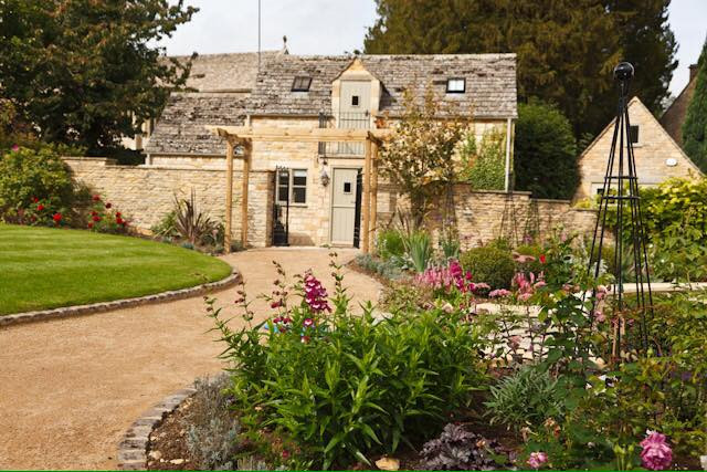 Lucy Shaw Garden Design - country garden