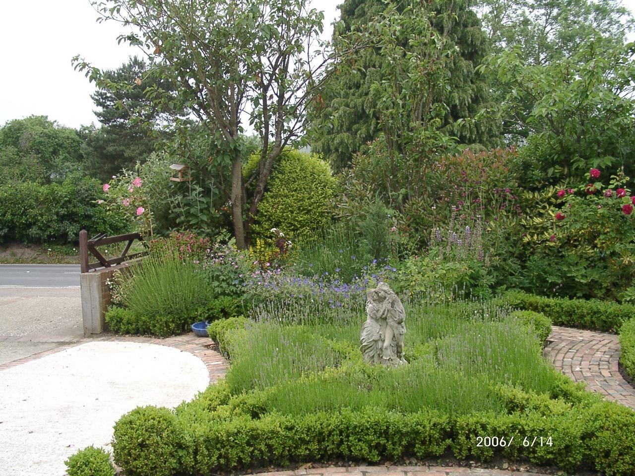 garden jun2006 010-404a4 - Copy