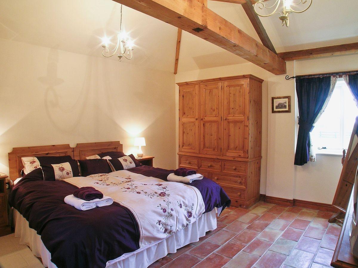 Double bedroom 2  Bridge Farm Holiday Co