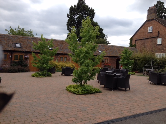 Courtyard garden at a wedding venue in Warwickshire (2)