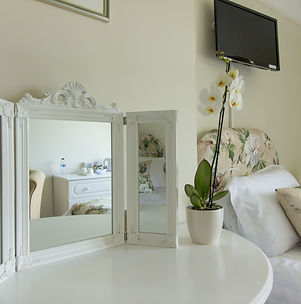 Leygreen Farmhouse B&B 64.jpg