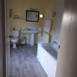 Cotton Farm Blue Room bathroom