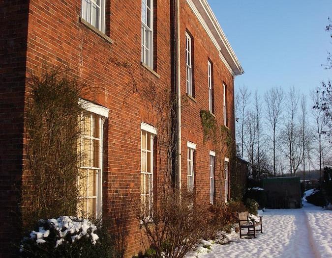Snow_at_Glebe_House_Muston_bed_and_Break
