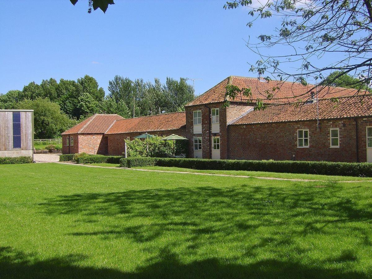 Bridge Farm Holiday Cottages - The Byre,