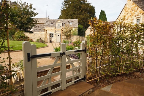 Country Estates - driveway planting and