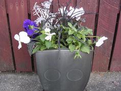 Silver planter.jpg
