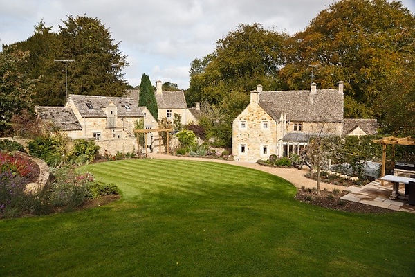 Country Estates - lawns and planting.jpg