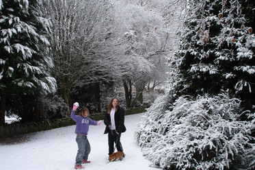 Snow at Walkden Gardens (Sale Cheshire)