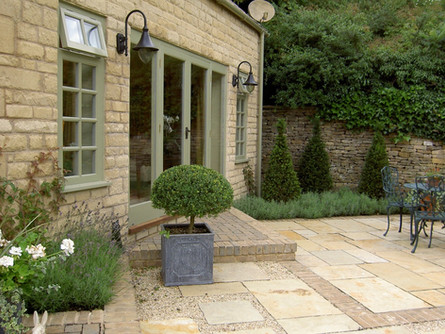 paved courtyard garden.jpeg