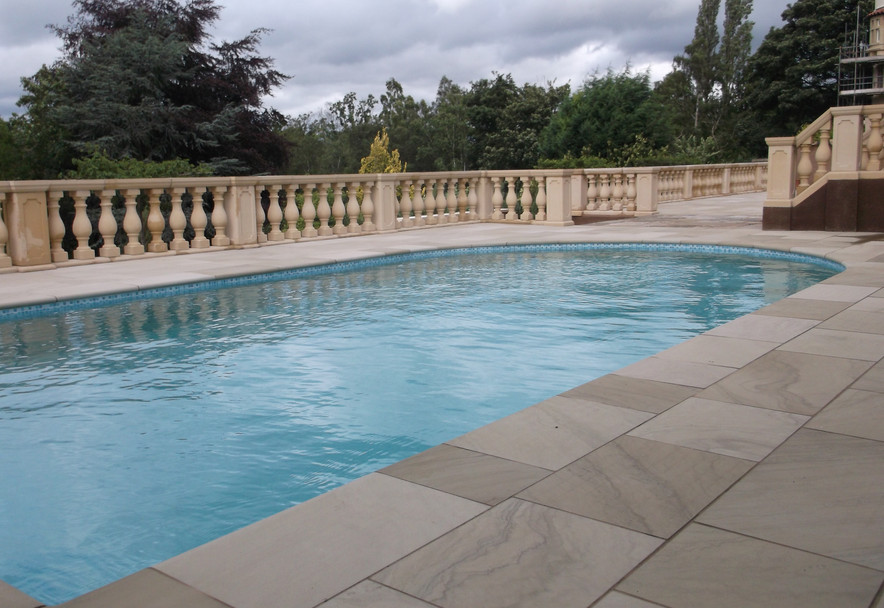 Italianate garden in Knutsford Cheshire Swimming pool