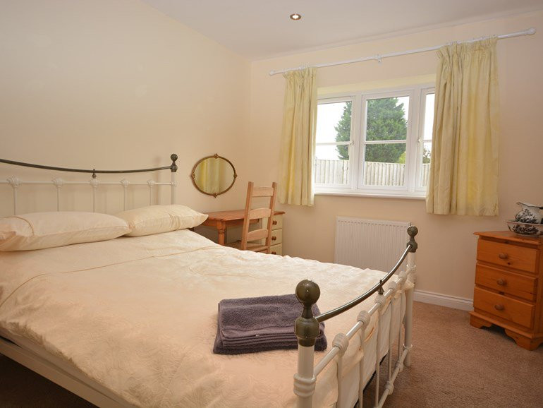 Second Ground floor double bedroom at Th