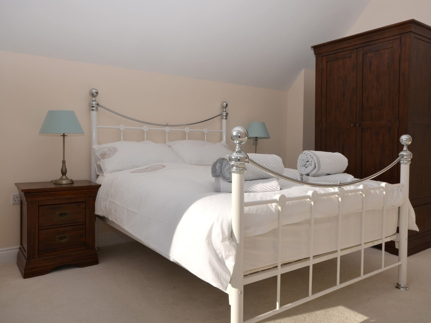 Birch View at Meare -Double bedroom.jpeg