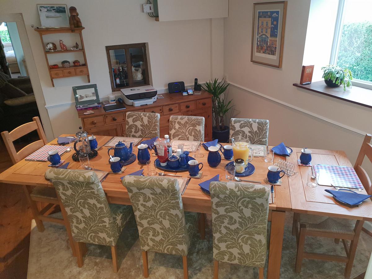 Milbatch Farm B&B breaksfast table Glast